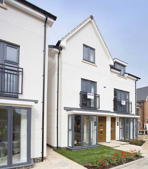 Modern, designer homes with smart render finish by Saint-Gobain ...
